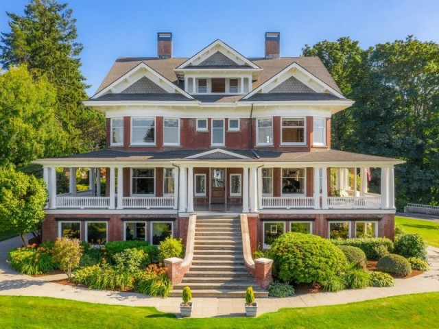 The Rucker Mansion - Everett