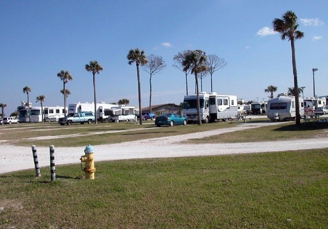 Pelican Roost RV Park - NS Mayport
