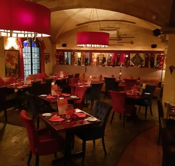 Camelot Restaurant & Lounge