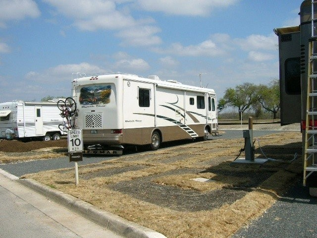 FamCamp RV Park - Joint Base San Antonio-Lackland
