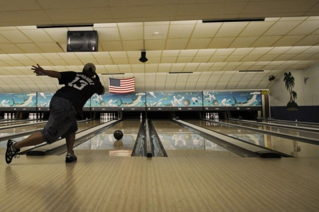 Lanes Bowling Center - MacDill AFB