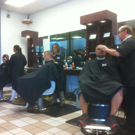 Aviation Plaza Barber Shop - NAS Pensacola