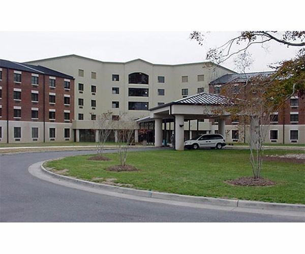 General Smalls Inn- Joint Base Langley-Eustis