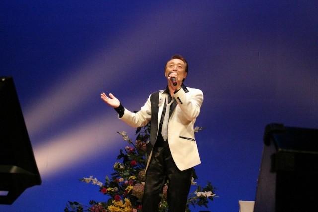 Karaoke throat pride カラオケのど自慢 Yokosuka
