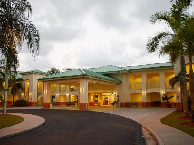 El Caney Lodge IHG Army Hotel - Fort Buchanan